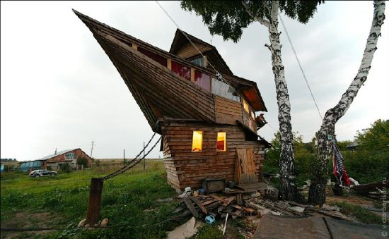 recycled ship house 9