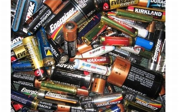 Recycling old batteries