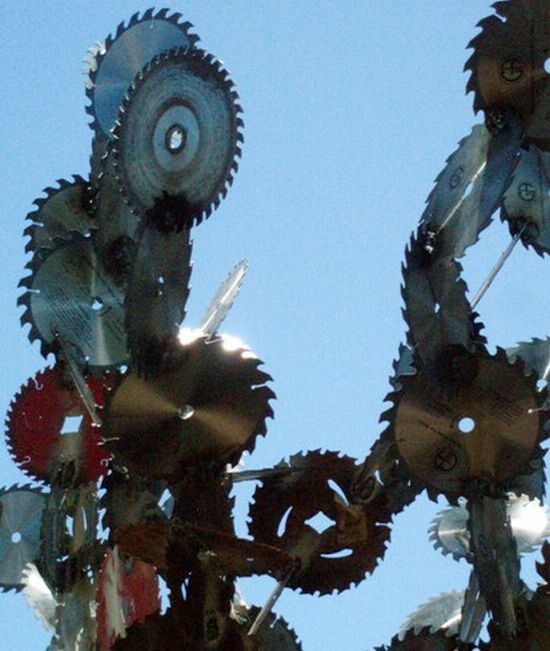 saw blade sculpture 2
