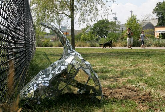 sculptures made from recycled stuff 1