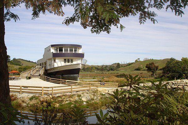 The Waitanic Ship Motel