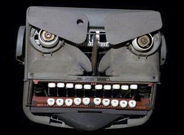 Typewriters' sculpture