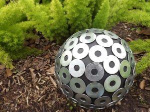 original-Tom-Russell-Smart-Chic-Outdoors-garden-ball-washer-beauty_s4x3_lg