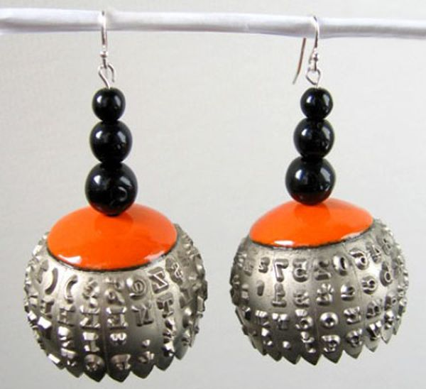 recycled-typewriter-ball-earrings1