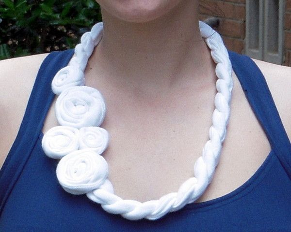 rose_t_shirt_necklace-thumb-600x480-160849