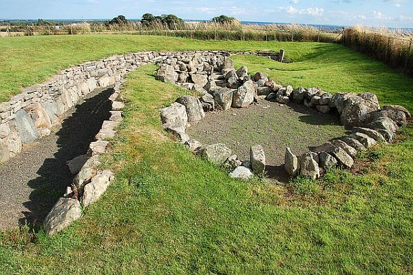 Scotland Ardestie Earth house