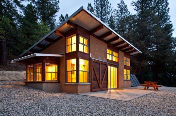 Small sustainable house by Arkin Tilt