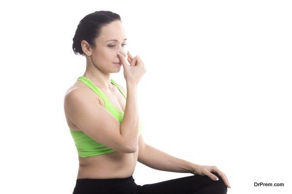 Vishnu Mudra in hatha yoga Alternate Nostril Breathing