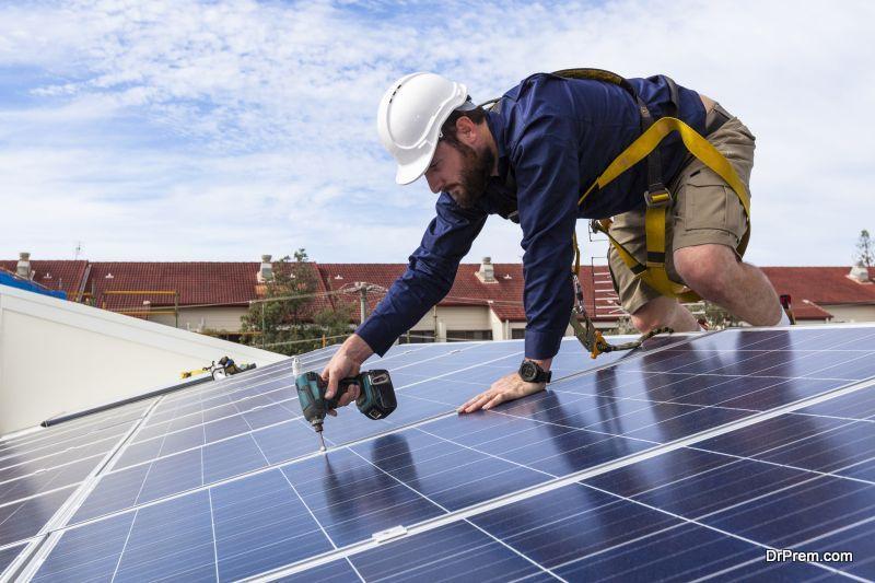 Google launches solar power service