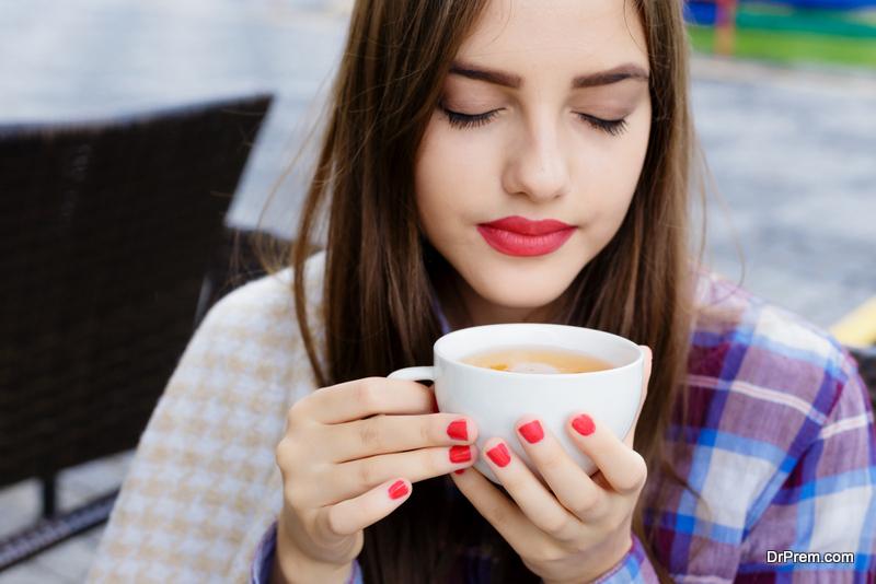 About-good-coffee &quot;width =&quot; 800 &quot;height =&quot; 534 &quot;srcset =&quot; https: //i0.wp.com/greendiary.com/wp-content/uploads/2018/07/About-good-coffee.jpg?w=800&amp;ssl=1 800w, https://i0.wp.com/greendiary.com /wp-content/uploads/2018/07/About-good-coffee.jpg?resize=216%2C144&amp;ssl=1 216w, https://i0.wp.com/greendiary.com/wp-content/uploads/2018/ 07 / About-good-coffee.jpg? Resize = 300% 2C200 &amp; ssl = 1 300w, https://i0.wp.com/greendiary.com/wp-content/uploads/2018/07/About-good-coffee.jpg ? resize = 768% 2C513 &amp; ssl = 1 768w, https://i0.wp.com/greendiary.com/wp-content/uploads/2018/07/About-good-coffee.jpg?resize=585%2C390&amp;ssl=1 585w &quot;sizes =&quot; (larghezza massima: 800px) 100vw, 800px &quot;data-recalc-dims =&quot; 1 &quot;/&gt; Potresti essere sorpreso, ma bere un buon caffè può essere correlato ai modi meravigliosi di salvare la terra. </p> <p> Sulle piantagioni di crescita all&#39;ombra dell&#39;albero del caffè arabesco (il tipo di caffè Arabica tassa), secondo le ricerche, ci sono 150 specie di uccelli. Quando i caffè crescono sotto il sole splendente, la quantità dei loro abitanti diminuisce a 20-50 specie. </p> <p> Con la crescita della domanda di un caffè economico, molti produttori rivolgono la loro attenzione alla coltivazione del &quot;sole&quot; &quot;Tipi, che richiede soprattutto, tonnellate di pesticidi e fertilizzanti. Tutti possiamo proteggere gli uccelli e ridurre l&#39;uso delle sostanze chimiche scegliendo un buon caffè costoso Arabica. </p> <p> Oltre a cercare di non comprare caffè economico &quot;to-go&quot;. </p> <h2> Incontri ecologici </h2> <p> Diventa un organizzatore di grandi e piccoli incontri e accordi sul riciclaggio e l&#39;uso economico di acqua ed elettricità. Le statistiche dicono che il mercato di tali azioni come le eco-riunioni aumenterà del 44% entro il 2020. </p> <p> Come organizzatore, puoi cercare luoghi ecologicamente puliti e altre iniziative per aiutare l&#39;ambiente e ridurre l&#39