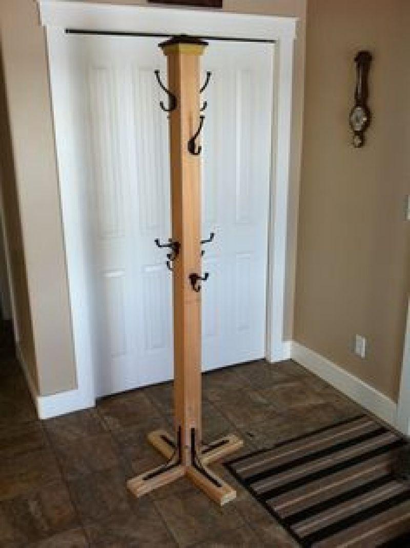 standing-scrap-wood-coat-rack