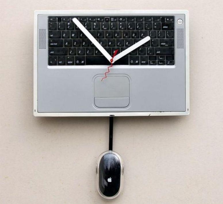 Voguish Apple Powerbook Clock