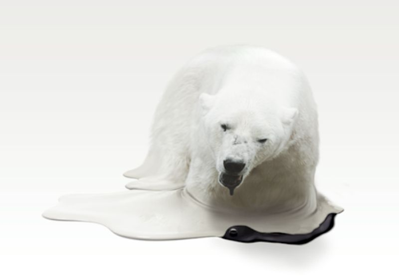sculpture of a polar bear