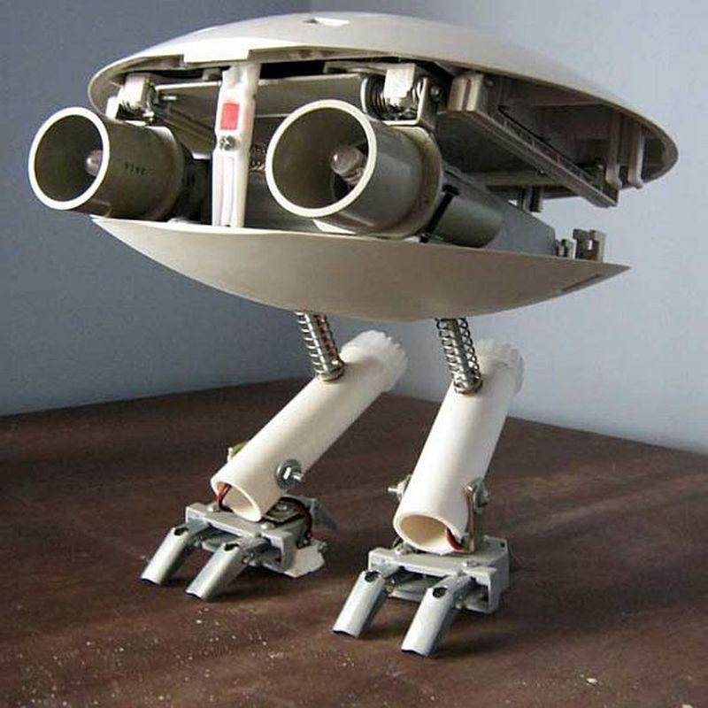 Automated junk robot Mario Caicedo