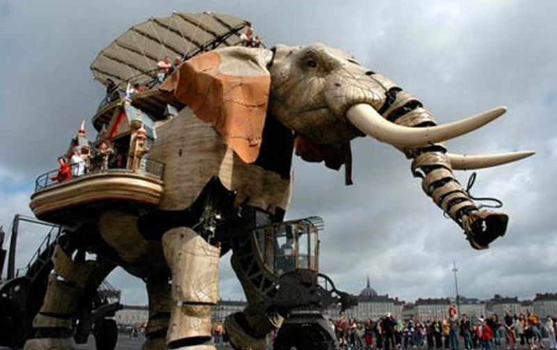 Great robotic elephant Francois Delaroziere