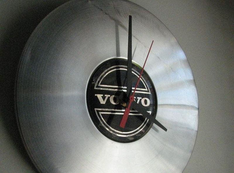 The Volvo clock