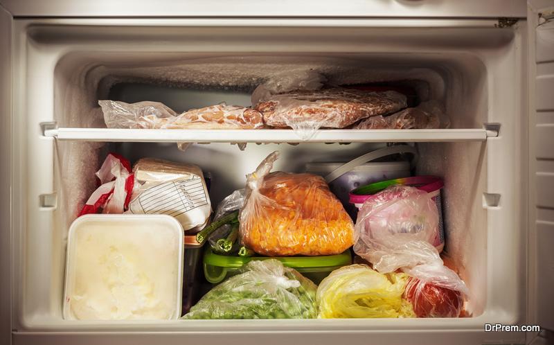 clutter-in-refrigerator