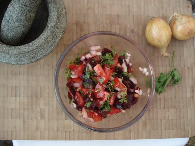 Koude rode bietensalade met koriander