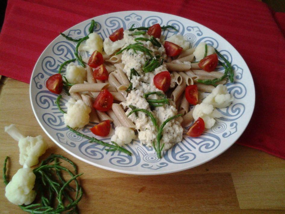 pasta met bloemkoolsaus en zeekraal