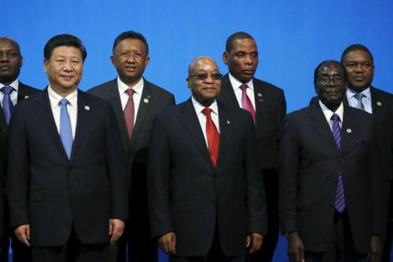 chinas-xi-jinping-poses-robert-mugabe-and-jacob-zuma.