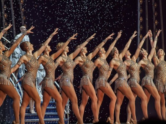 rockettes-dancing