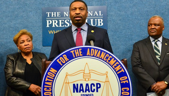 naacpcensus2020lawsuit_4580_fallen_web120.jpg