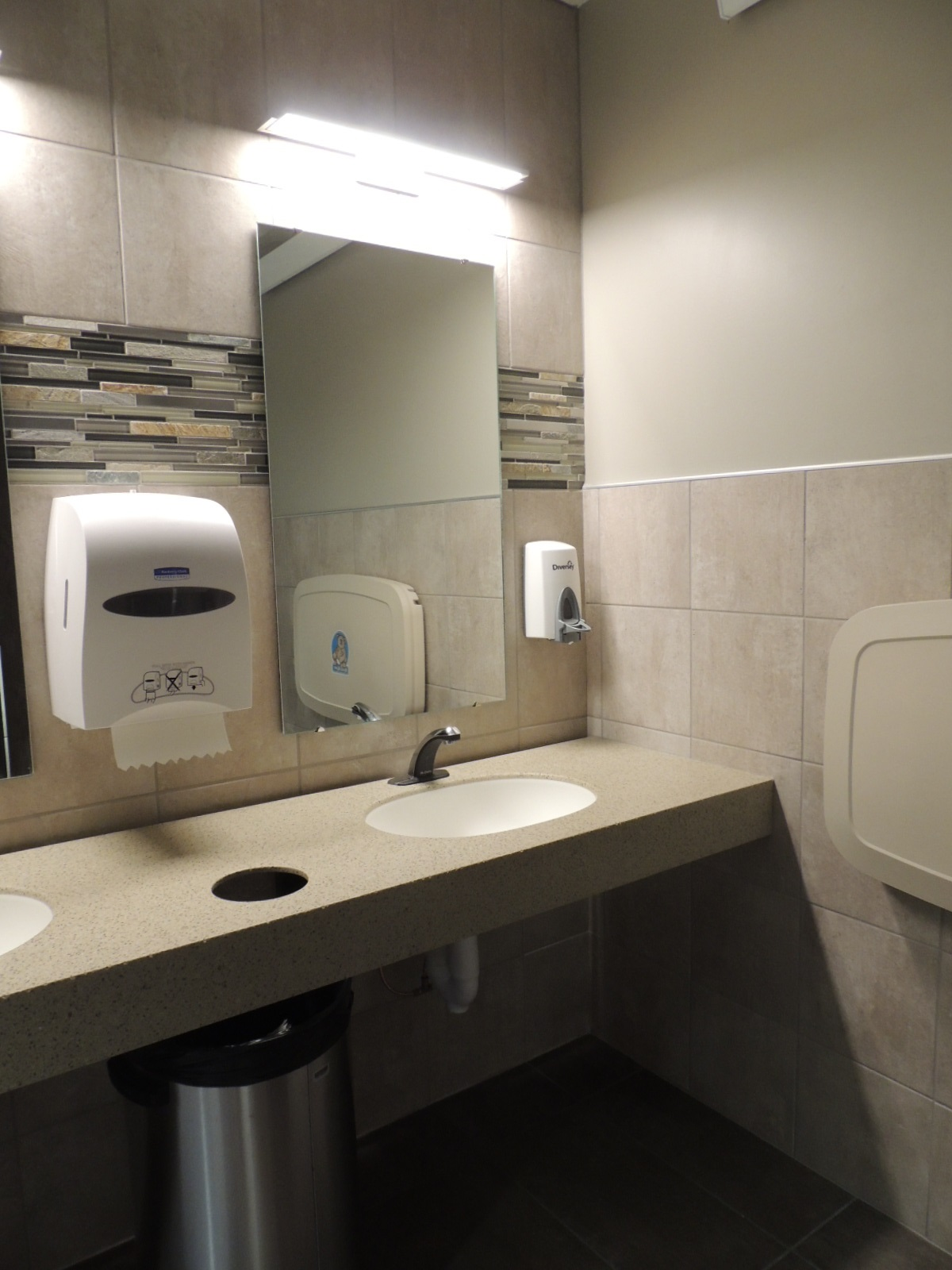 Most Posh restrooms award goes to new HyVeeGreene