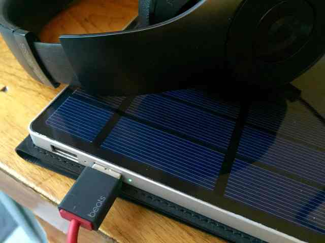 solartab battery charging beats headphones