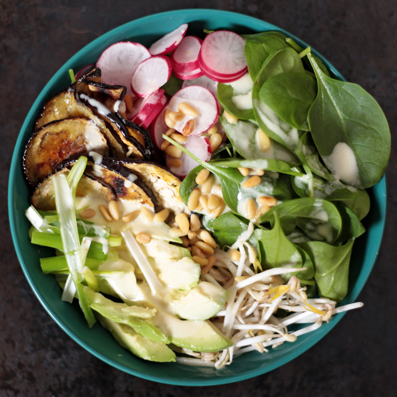 Spinach Salad with Aubergines and Cashew Dressing