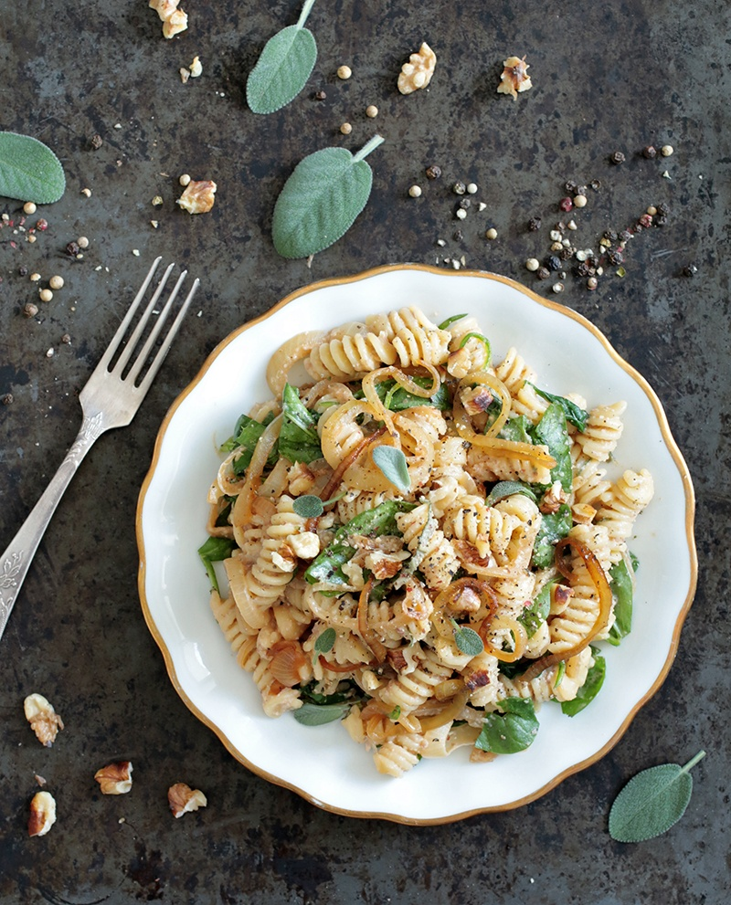 Spinach and Caramelised Onion Pasta (Vegan + GF)