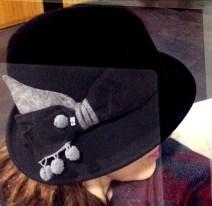 pomp-hat-on