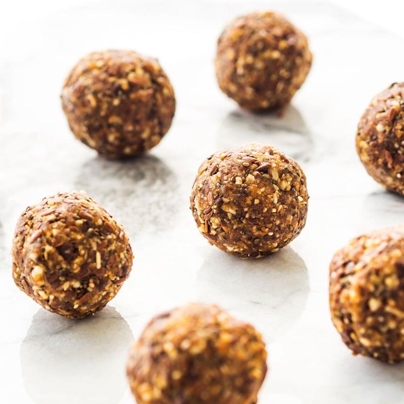 Oatmeal & Chia Energy Balls
