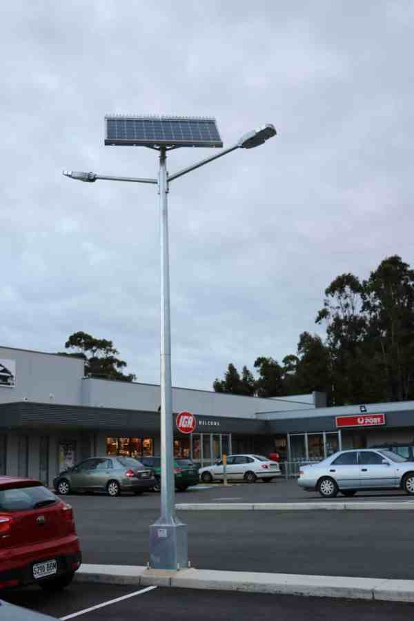 solar street lights twin head mount compass IGA