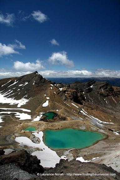 Emerald-lakes-Tongariro-New-Zealand