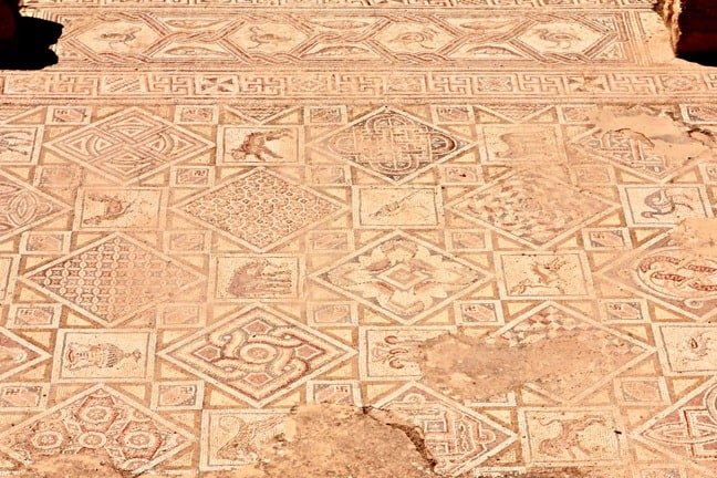 Byzantine Mosaic Art in the Churches of Jerash