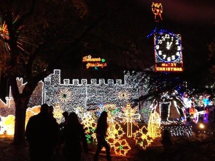 christmas tree lane brings a splash of holiday color to fresno - Christmas Tree Lane Modesto Ca