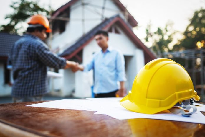 What Contractors Take Into Consideration When it Comes to Crane Hire?