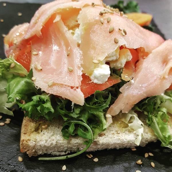 tosta-salmon-barcelona