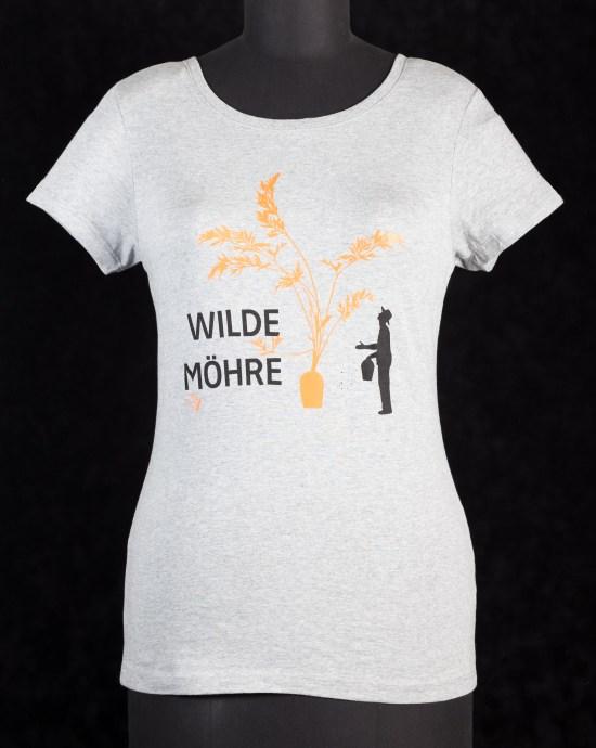 wilde-moehre-vor-schwarz