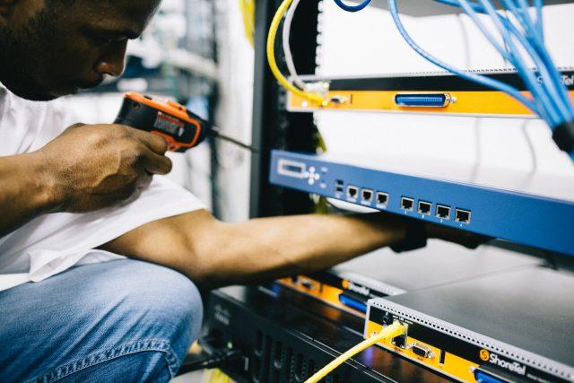 Green Leaf Air - Handyman - Computer Server & Tech services