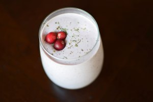 Cranberry-Peppermint Protein Smoothie