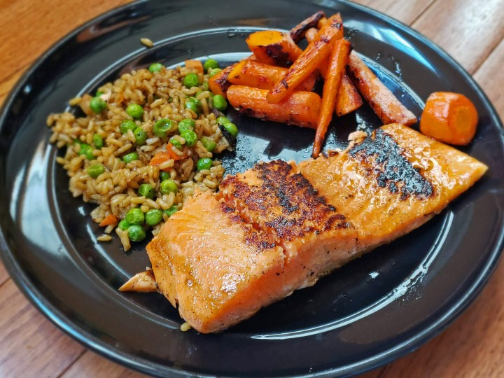 Maple-Ginger Salmon, Carrots, and Brown Rice