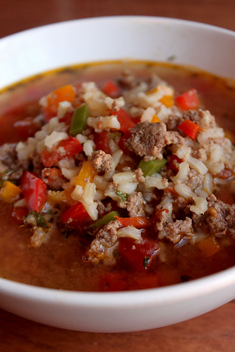 Low-FODMAP Style Stuffed-Pepper Soup Portrait