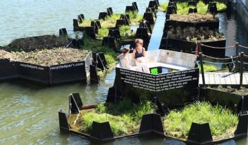 Στο Ρότερνταμ φτιάχτηκε το πρώτο πλωτό πάρκο από πλαστικά απορρίμματα