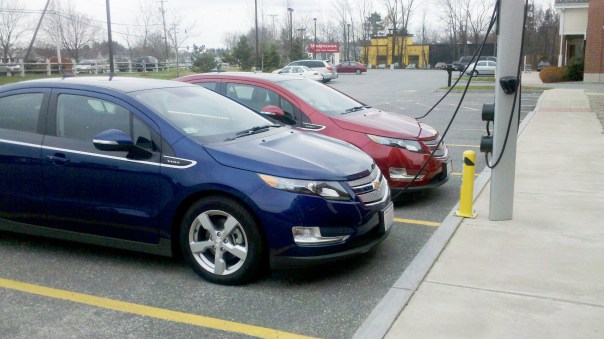 Chevy Volts Charging Via Car Charing Group - Fast Charging!