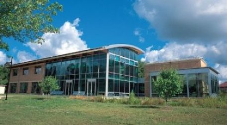 Source #2 below: The Adam Joseph Lewis Center for Environmental Studies at Oberlin College in Oberlin, Ohio, dedicated in 2000, was one of the first net-zero commercial buildings in the U.S. Photo courtesy of Oberlin College and Conservatory.