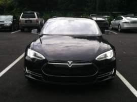 Tesla Model S 85D
