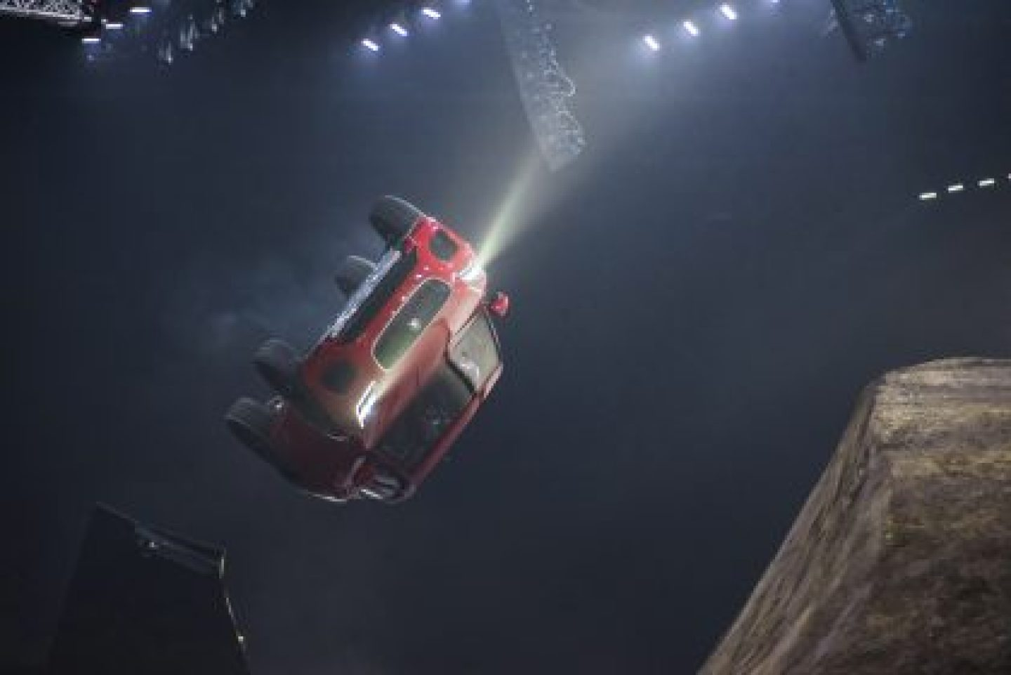 The new Jaguar E-PACE has set an official GUINNESS WORLD RECORDS™ title during its world premiere. The compact performance SUV leapt into the record books with a 15.3 metre-long jump complete with a 270-degree corkscrew-like 'barrel roll'.