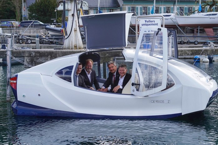 From left to right: Kenneth Nakken, Vice President Digital Service ABB Marine & Ports; Anders Bringdal, Founder and CEO Seabubbles; Thierry Lassus, Managing Director ABB Sécheron; Alain Thébault, Co Founder & Vice-President Seabubbles