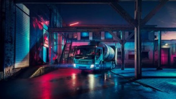 Just three weeks after the unveiling of Volvo Trucks' first all-electric truck, the Volvo FL Electric, the company is expanding its product range with yet another electric truck. The Volvo FE Electric is designed for heavier city distribution and refuse transport operations with gross weights of up to 27 tonnes. Sales will commence in Europe in 2019.